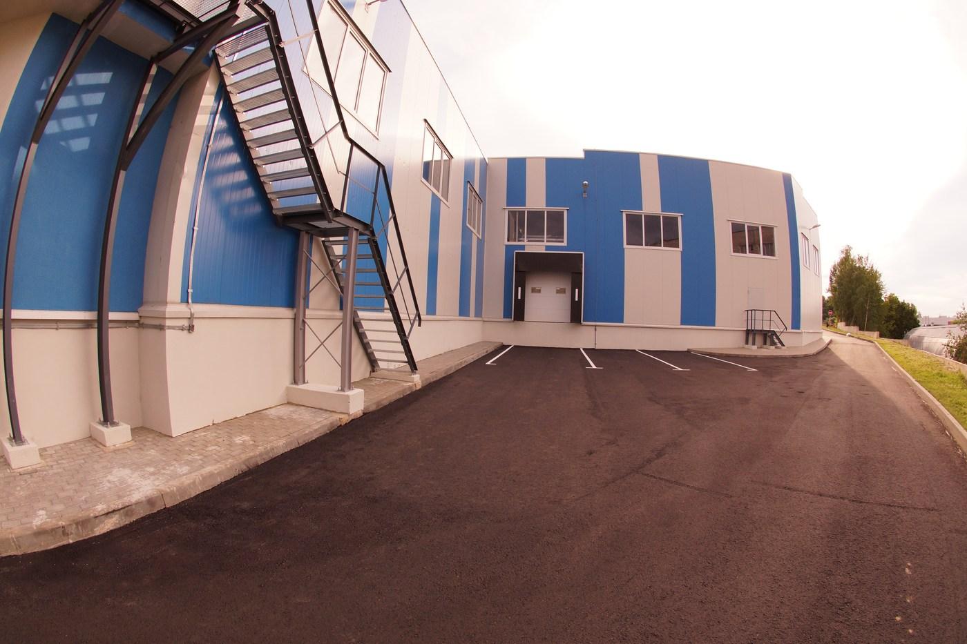 Погрузочно-разгрузочная площадка складского корпуса Пластик Текнолоджиз